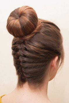 The Best Summer Hair Defrizzers Serum 2020.Styling gel on the front (best selling Frizz Ease is his choice) and combing it back into a little ballerina knot #ballerina#Stylinggel#Best#Summer#Hair#Defrizzers#Serum#combing# Homecoming Updo, Easy Homecoming Hairstyles, Hair Styles Homecoming, Hairstyles Haircuts, Trendy Hairstyles, Wedding Hairstyles, Hair Sponge, Charlize Theron, Long Layered Hair