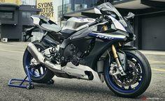 2017 Yamaha Is High Performance Bike Updated With New Tech Yamaha R1, Yamaha Sport, Yamaha Motorcycles, Custom Motorcycles, Riding Gear, Super Bikes, Street Bikes, Bike Life, Motorbikes