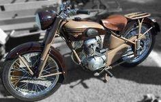 125 Motobécane 1954 et 125 Peugeot 1948 - 125 cm3 - Ancienne - Peugeot - Caradisiac Moto