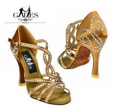 Zapato de baile Angel Crystal GadesSalseras.com Ballroom Jewelry, Ballroom Shoes, Latin Ballroom Dresses, Latin Dresses, Shoe Makeover, Salsa Shoes, Latin Dance Shoes, Tango Shoes, Dress Shoes