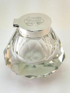 George V solid silver and cut glass inkwell by Hukin & Heath,  Birmingham (English), 1919