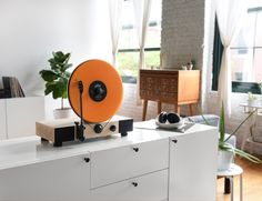 Floating Record™ Vertical Turntable » Review