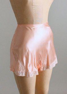 "BN Saucy sheer chiffony panties // knickers purple JOL 4 A waist to 36/"""