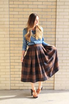 DIY Anthro Inspired Buffalo Check Pleated Midi Skirt + Easy No Mark Pleat Method   Sewing Tutorial: thesaraproject.com