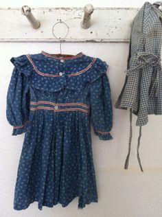 19th C early Blue & white calico Child's Dress.