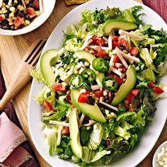Ingredients  4 cups mixed salad greens 1 15 ounce can black beans, rinsed and drained 2 ears of fresh corn, husks and silks removed and kernels cut off the cobs