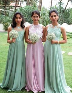 Indian Wedding Bridesmaids, Indian Bridesmaid Dresses, Bridesmaid Saree, Wedding Flower Girl Dresses, Bridesmaid Outfit, Brides And Bridesmaids, Saree Wedding, Flower Girls, Bridesmaid Bouquets