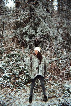 Speváčka Zdenka Predná a jej Banská Štiavnica Puojd - forest - pattern - winter - jacket - nature - design Bansky, Bald Eagle, Bird, Animals, Animales, Animaux, Birds, Animal, Animais