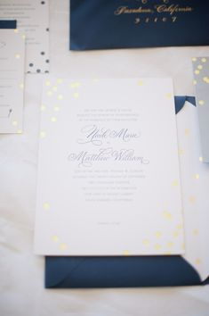 Navy and Gold Wedding Invitations | photography by http://hazelnutphotography.com/