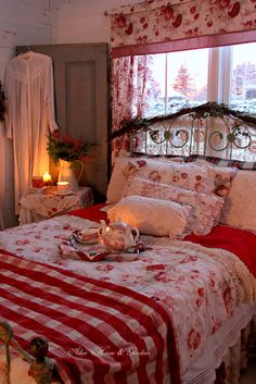 Shabby Chic Decor Archives - Home Style Corner Red Cottage, Cozy Cottage, Cozy House, French Cottage, Romantic Cottage, Cosy Bedroom Romantic, Cottage Living, Romantic Getaway, Decoration Shabby