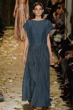 Valentino Spring 2016 Couture Fashion Show - Julia Fleming (Next)