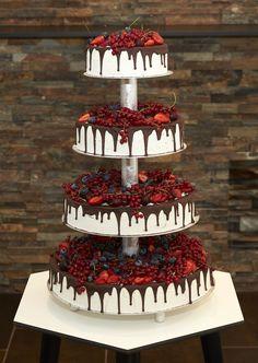 Vanilla – Chocolatier og Konditori – konditori vejle, bryllupskager vejle, krans… – Famous Last Words Strawberry Wedding Cakes, Fruit Wedding Cake, Funny Wedding Cakes, Floral Wedding Cakes, Wedding Cake Flavors, Fall Wedding Cakes, Wedding Cake Designs, Wedding Cupcakes, Party Wedding
