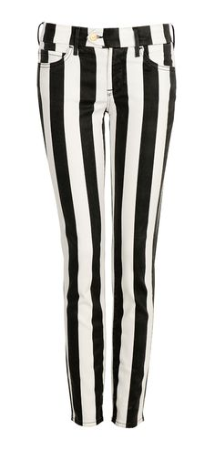 Nordstrom Topshop - Topshop Moto 'Leigh' Stripe Skinny Jeans available at Nordstrom ~ Hardware and fine tonal stitching accentuate the skinny silhouette of a pair of jeans cut from striped denim (cotton/polyester/elastane) Instyle Fashion, 50 Fashion, Winter Fashion, Fashion Outfits, Womens Fashion, Topshop, Vogue, Denim Cotton, Striped Jeans