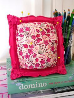 DIY: framed pincushion