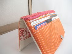 All wrapped up: Patchwork-y Bifold Wallet Tutorial - this is the tute that jen adapted for her purse.
