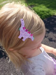 Glitter dinosaur clip or headband Girl Dinosaur Birthday, Dinosaur Birthday Invitations, Bday Girl, Baby Birthday, Double Birthday Parties, Birthday Party Themes, Dinasour Party, Baby Girl Bows, Cake Smash Outfit