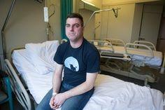 'Grotere borsten worden terugbetaald, maar mijn helse pijn niet' Peter Ketelslegers (32) uit Diepenbeek lijdt al een tijdje aan ondraaglijke clusterhoofdpijn. De man onderging vorig jaar nog een veelbelovende operatie, m...