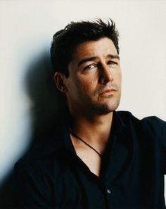 Kyle Chandler, oh, how I miss Friday Night Lights...