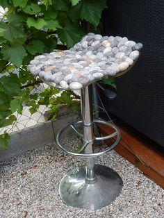 Sitzauflage Kieselsteine Schurwolle multicolor von flussdesign