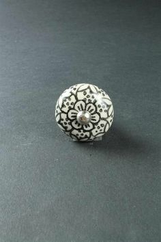 Úchytka Flower black small | Bella Rose Bella Rose, Silver Rings, Interior, Flowers, Black, Jewelry, Jewlery, Indoor, Black People