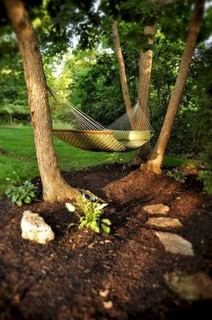 8 DIY Outdoor Hammock Ideas Here are some great ideas for creating a beautiful, relaxing DIY hammock of your … of canvas, together with grommets and rope, into a lovely backyard lounger. Backyard Hammock, Outdoor Hammock, Backyard Patio, Hammock Ideas, Hammocks, Wooded Backyard Landscape, Diy Hammock, Hammock Stand, Nice Backyard