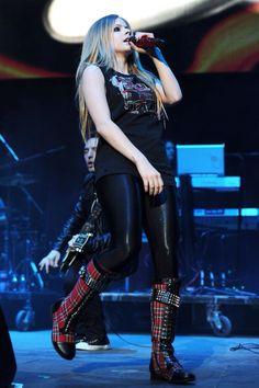 Ramones, Ontario, Avril Lavigne Style, Avril Lavingne, Avril Lavigne Goodbye Lullaby, Under My Skin, Pop Punk, Black Star, Perfect Woman