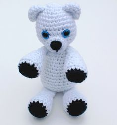 Whether or not it's snowing in your hometown, it's certainly time to embrace winter. This past week, I went to Chicago's Zoo Lights display at the Lincoln Park Zoo and saw some of my favorite animals playing in the snow. Unfortunately, the polar bears were sleeping, but luckily I have this super cute amigurumi pattern …