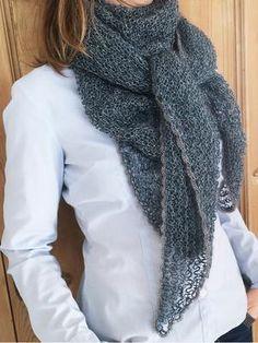 Stort strikket sjal med hæklet muslingekant - strikkekit Casual, Fashion, Moda, Fashion Styles, Fashion Illustrations