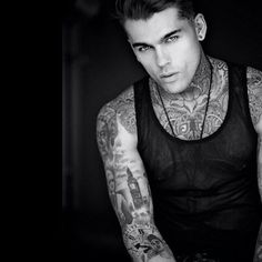 Stephen James is beautiful Sexy Tattooed Men, Stephen James Model, Hot Guys Tattoos, Inked Men, Attractive Guys, Good Looking Men, Hot Boys, Lady, Beautiful Men