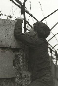 Juste un regard derriere le Mur de Berlin - 1965