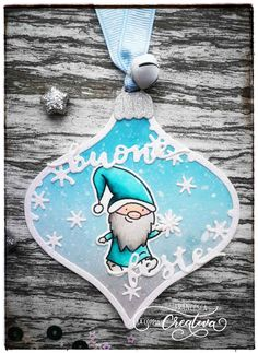 Buon venerdì a tutti! Oggi vi mostro come realizzare un altro simpaticissimo segnalibro…che poi andiamo anche a confezionarlo 🙂 . Ecco il video dove vi mostro tutto 🙂 :  Qualche volta dobbiamo fare qualcosa anche per se…e un segnalibro cosi e proprio un bel 'autoregalo 😉 ' Sperando di avervi ispirato, vi invito di condividere con … Christmas Tag, Christmas Ornaments, Xmas Cards, Video, Cardmaking, Scrapbooking, Paper Crafts, Holiday Decor, How To Make