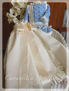 Hay combinaciones que potencian las partes, este el caso del Modelo 50 con el faldón Bosco         Jubón tejido en algodón de verano, c...