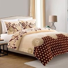 http://www.kitchenredesignideas.com/category/Queen-Comforter-Set/ Daisy 3 Piece Queen Comforter Set
