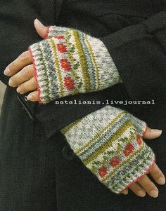 Knitting Patterns Mittens {Idea for placing motifs on mitts} Fingerless Gloves Knitted, Knit Mittens, Knitted Hats, Fair Isle Knitting, Knitting Yarn, Baby Knitting, Wrist Warmers, Hand Warmers, Knitting Designs