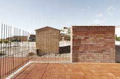 Dolmen Megalítico De Seró  Estudi D'arquitectura Toni Gironès  http://www.plataformaarquitectura.cl/2013/05/01/espai-transmissor-del-tumul-estudi-d-arquitectura-toni-girones/?utm_source=feedly_medium=feed_campaign=Feed%3A+PlataformaArquitectura+%28Plataforma+Arquitectura%29#.UYJoewUk0HY.email