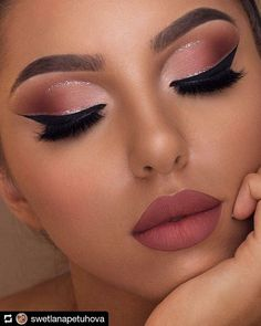 Wow, we're just obsessed with make-up collections by Too Faced! This Sam … – Prom Make-Up Ideas Makeup Eye Looks, Cute Makeup, Glam Makeup, Gorgeous Makeup, Party Makeup, Wedding Makeup, Hair Makeup, Amazing Makeup, Makeup Box