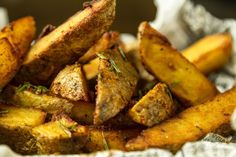 How to make fries by Greek chef Akis Petretzikis. Learn how to make the tastiest homemade fries that are super crunchy on the outside and soft on the inside! Greek Recipes, Rice Recipes, Seafood Recipes, Cooking Recipes, Orzo Rice Recipe, How To Make Fries, Roasted Vegetables, Veggies, Homemade Fries