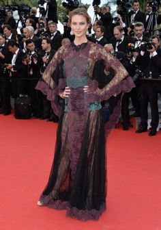 2014 Cannes Film Festivali Açılış Seremonisi - Karlie Kloss - Valentino