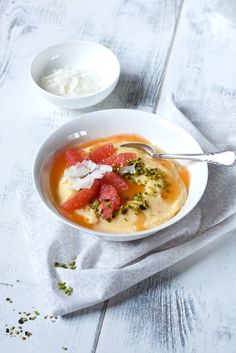 Viel zu lecker hört sich das an!! <3 Frühstücks-Polenta mit Grapefruit #fructosearm #zuckerfrei #glutenfrei #lowfodmap