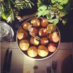 O charme da fazenda. Veja: http://www.casadevalentina.com.br/blog/materia/para-reunir-quem-se-ama.html #decor #decoracao #charm #charme #design #tableware #mesa #details #detalhes #casadevalentina