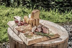mit heimischen Produkten... Firewood, Texture, Crafts, Surface Finish, Crafting, Diy Crafts, Craft, Arts And Crafts, Wood Fuel