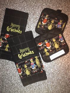 Grinch Towels and Pot Holder Set EMBROIDERED by DesignsbySugarbear, $39.99 on Etsy Grinch Christmas Decorations, Grinch Stole Christmas, Christmas Colors, Christmas Time, Christmas Ideas, Kitchen Themes, Machine Embroidery Patterns, Fundraisers, Deck The Halls