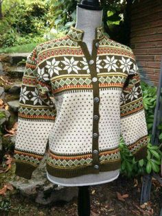 Viking knit Norwegian Knitting, Viking Knit, Raids Online, Wool Sweaters, Norway, Vikings, Christmas Sweaters, Cardigans, Men Sweater