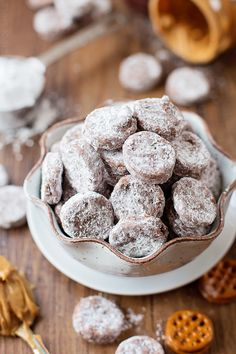 These peanut butter pretzel muddy buddies are a delicious twist on a holiday classic!