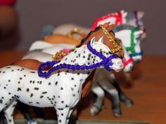 Perlenhuhn: Selbstgemacht: Zubehör für die Schleich-Pferde