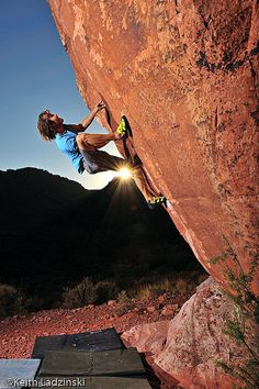 www.boulderingonline.pl Rock climbing and bouldering pictures and news Chris Sharma climbin