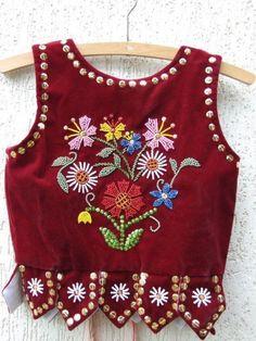 Strój podhalański Embroidery On Clothes, Folk Embroidery, Embroidery Designs, Folk Fashion, Fashion Sewing, Choli Designs, Saree Blouse Designs, Country Chic Outfits, Navratri Dress