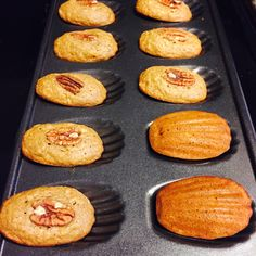 Desserts With Biscuits, Cookies Et Biscuits, Madeline Cookies Recipe, Madelines Recipe, French Cookies, Tea And Crumpets, Banana Dessert, Make Banana Bread, Banana Recipes