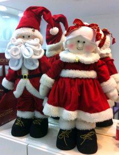 Pin by Imbi R on Mosaic decor Christmas Sewing, Christmas Baby, Christmas Items, Christmas Holidays, Vintage Christmas, Christmas Fabric, Country Christmas, Christmas Colors, Christmas Christmas