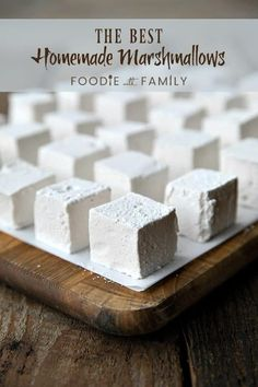 These Homemade Marshmallows are creamy, lofty, and light-as-air. - - These Homemade Marshmallows are creamy, lofty, and light-as-air. Köstliche Desserts, Delicious Desserts, Dessert Recipes, Yummy Food, Recipes With Marshmallows, Homemade Marshmallows, How To Make Marshmallows, Vegan Marshmallows, Homemade Sweets